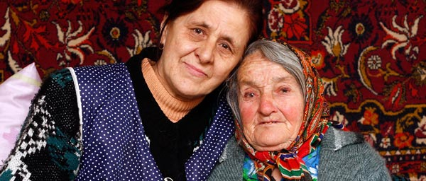 With Claims Conference support, a local social welfare agency called Hesed Shlomo provides Sofia with urgently-needed medical and in-home care as well as food and winter relief.