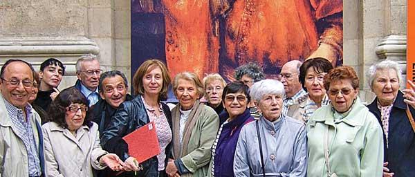 В Париже, в рамках социальной поддержки,спонсируемой CASIP-COJASOR,  бывшие  узники концлагерей, посещают выставки и музеи.