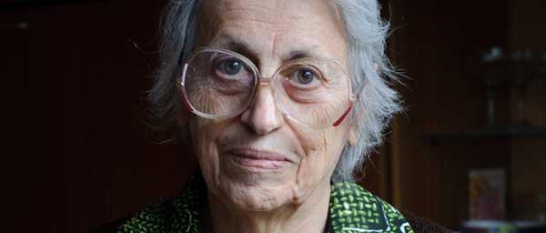 В Болгарии пережившие Холокост люди, такие как Рашка, получают по программе Клеймс  Конференс уход на дому, в котором они остро нуждаются.